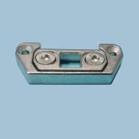 Запорная пластина для дверного шпингалета под порог